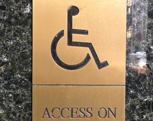 wheelchair access at Arena Theater