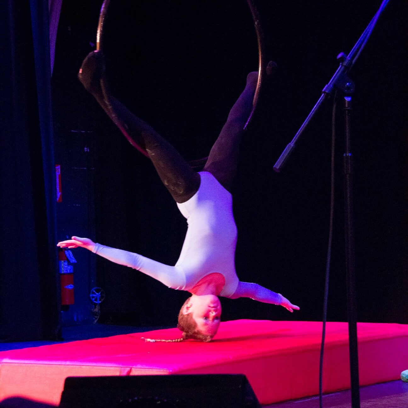 Ruby Hoop performance at Arena Theater
