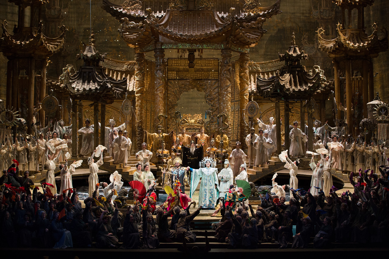 OPera Turandot singers and chorus on stage